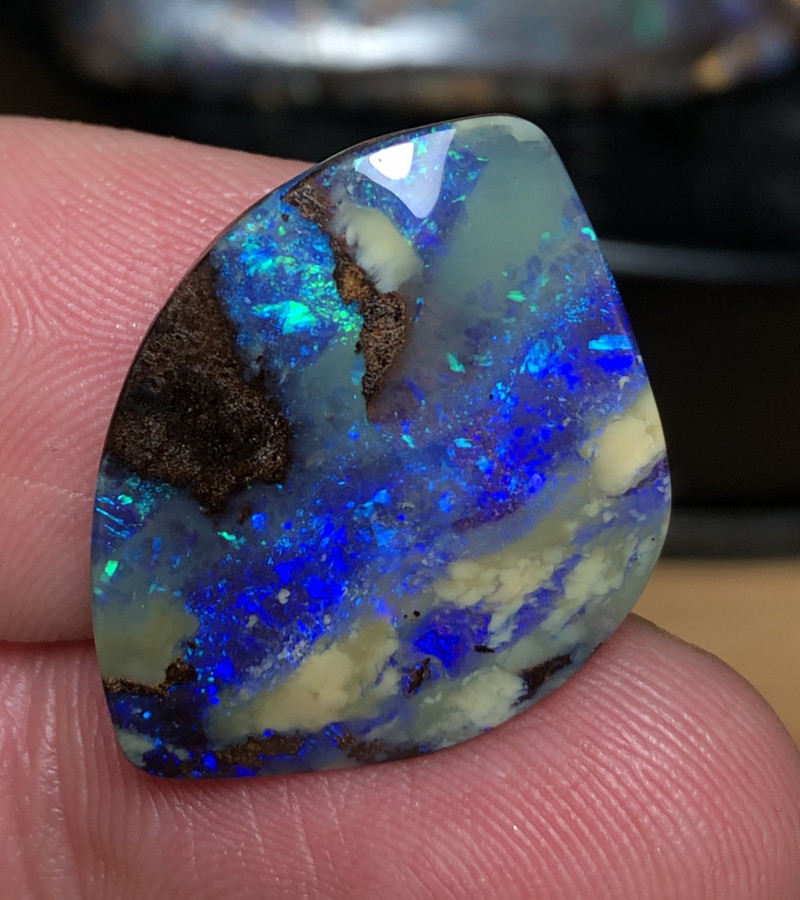 15.5cts Boulder Opal Stone AE150