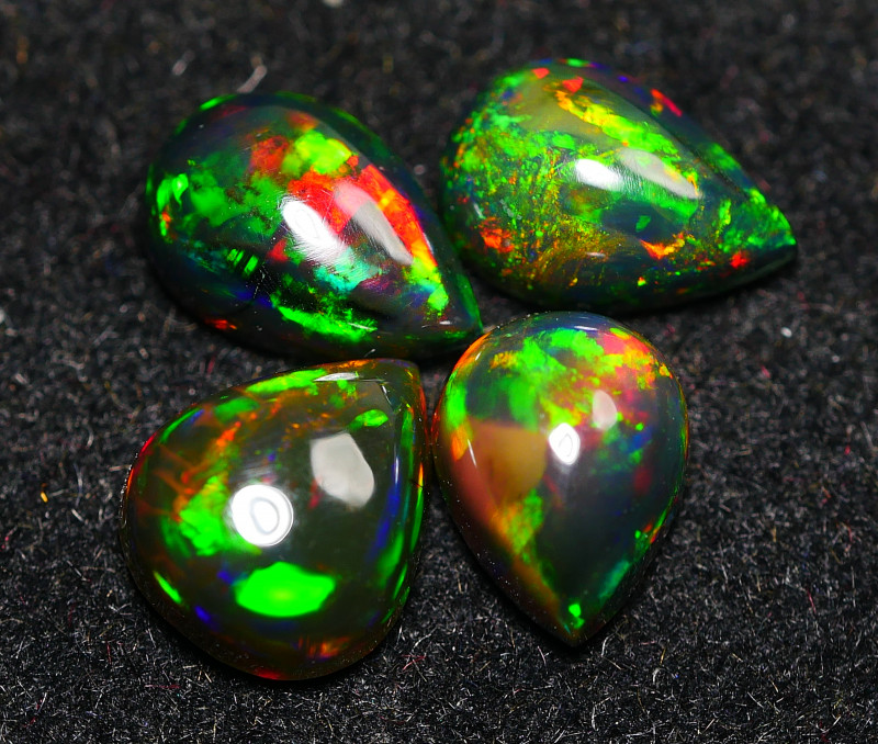 2.690CRT BRILLIANT BRIGHT PARCEL 4 PCS WELO OPAL ( SMOCKED )