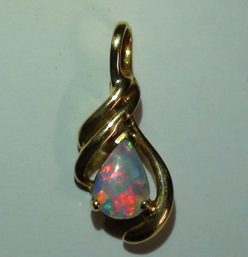 3.25 ct 18k Gold Gem Rainbow Coober Pedy Opal Pendant