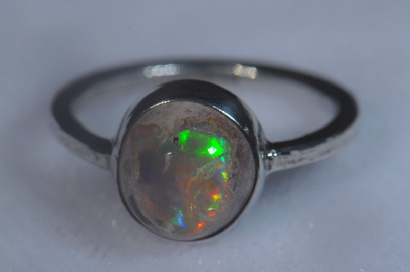 5sz .925 Sterling Mexican Silver Ring Opal