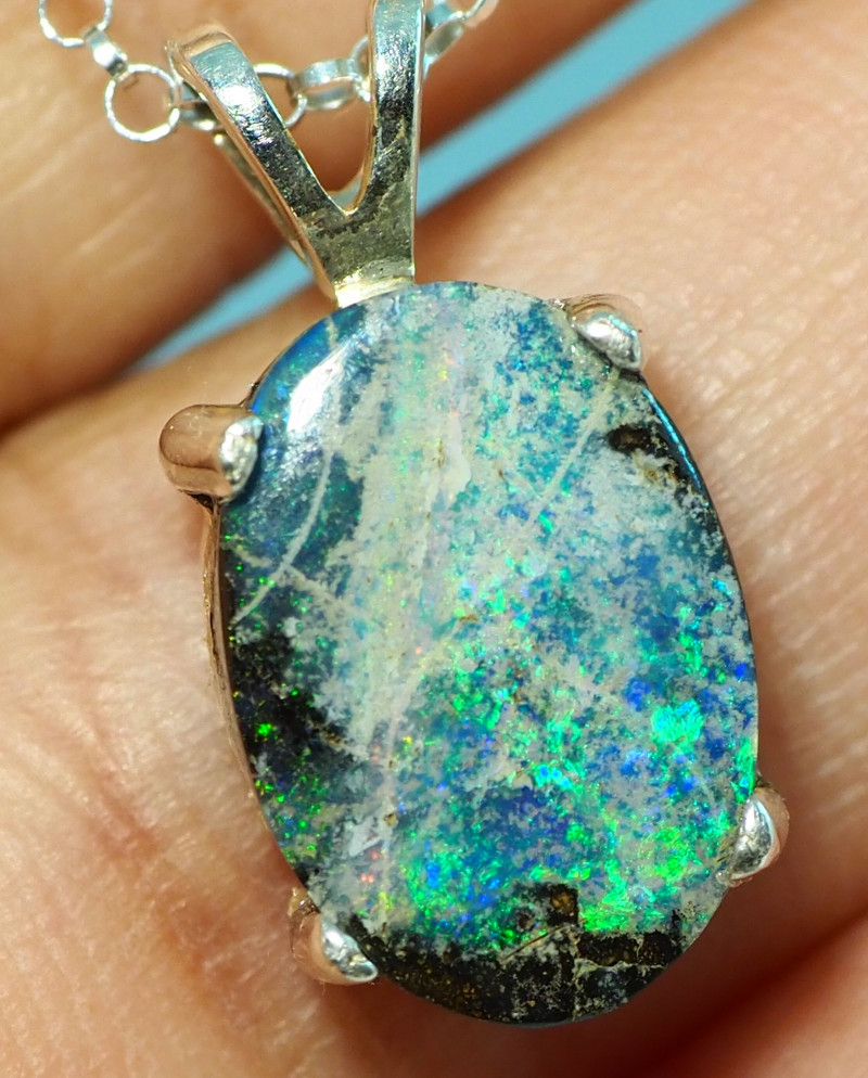13.40CT OPAL IN  PENDANT WITH SILVER NECKLACE BJ11
