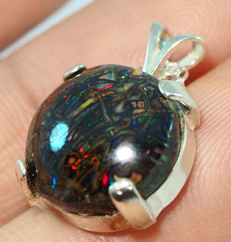 16.55CT OPAL IN  PENDANT WITH SILVER NECKLACE BJ21