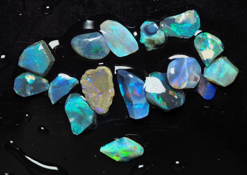 Lightning Ridge Australian Opal, Lot of rough/rubs, 23.05 ct