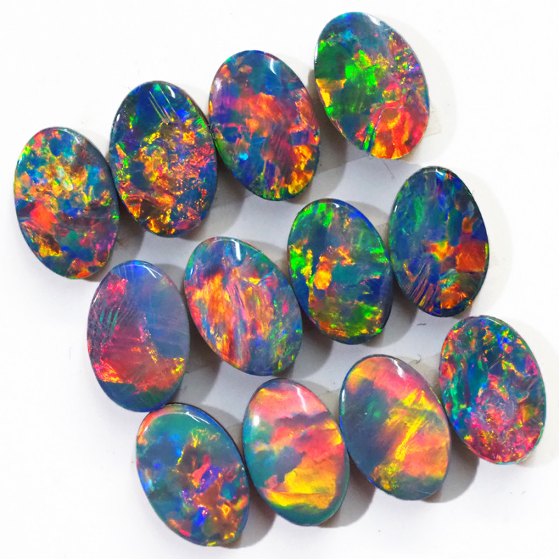 4.38CTS  12 PIECES CALIBRATED OPAL DOUBLET PARCEL GREAT COLOR PLAY -S1489
