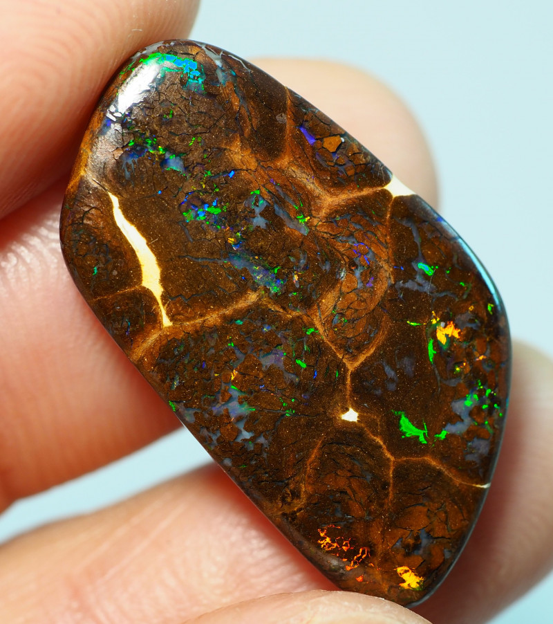 12.55CTS    YOWAH OPAL WITH AMAZING PATTERN  BJ209