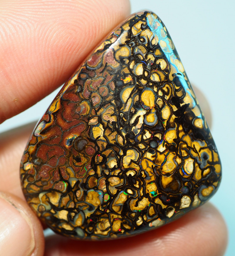 83.05CTS    YOWAH OPAL WITH AMAZING PATTERN  BJ215