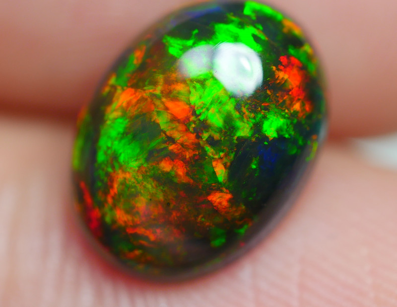 1.835 CRT GORGEUS SMOKED BROAD FLASH FLORAL PATTERN WELO OPAL