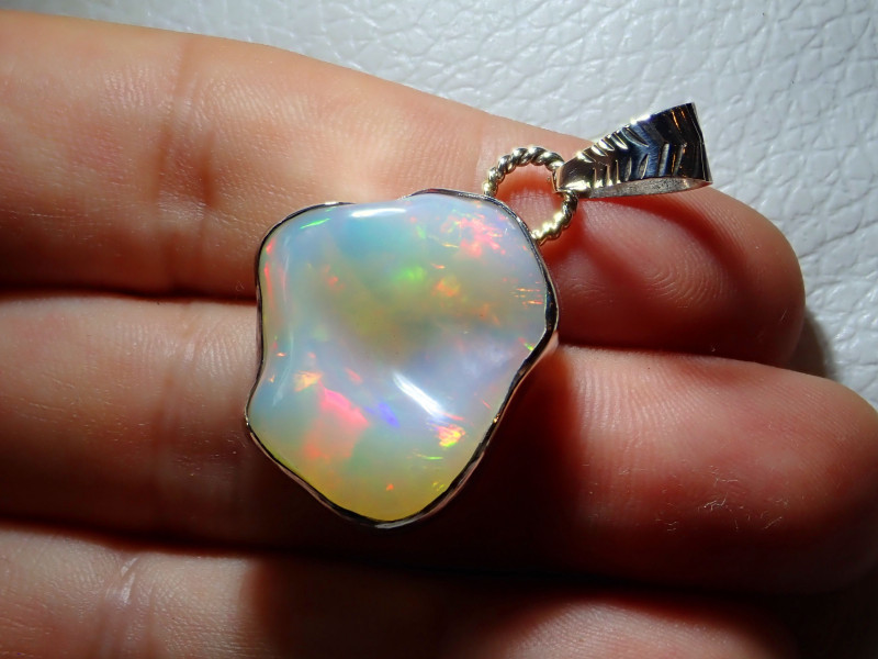 28.79ct Natural Welo Opal .925 Sterling Silver Pendant