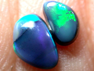 PAIR STRIKING RICH GREEN FIRE BLACK OPAL 0.75 CTS OT706