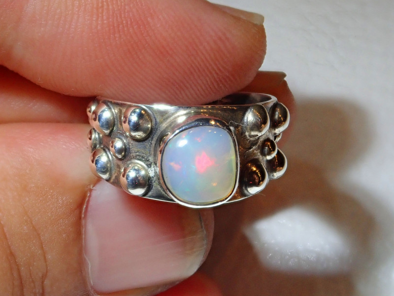 6.5sz Natural Ethiopian Welo Opal .925 Sterling Silver Ring