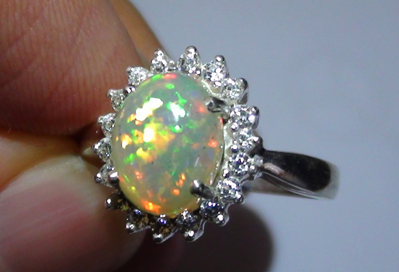 15.75 ct Stunning 925 Silver Bright Multi Color Welo Ring With CZ's *