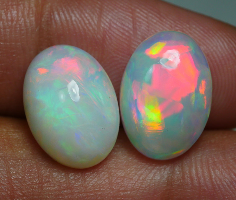 7.385 CRT BRILLIANT PAIRS BROADFLASH PATTERN FIRE WELO OPAL*