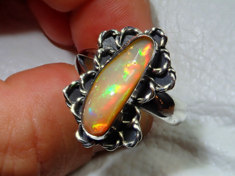 10.7sz Natural Ethiopian Welo Opal .925 Sterling Silver Ring