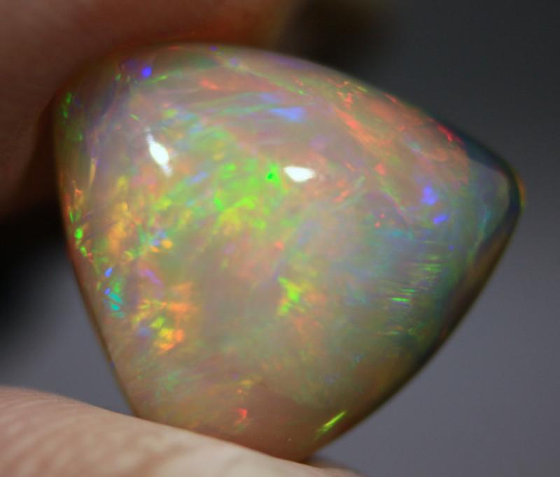 Cts. 5.40   Ethiopian Opal   RF  4.10
