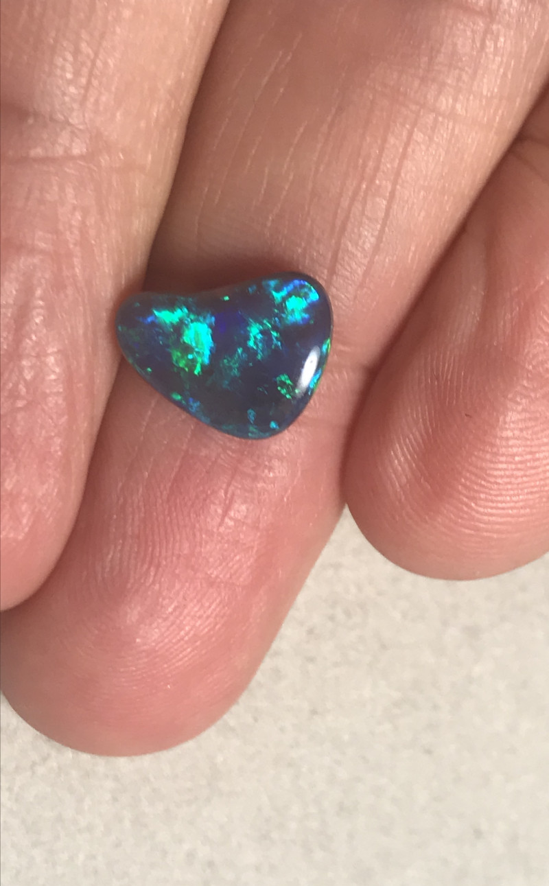 3.45 cts Black Crystal Opal - Lightning Ridge