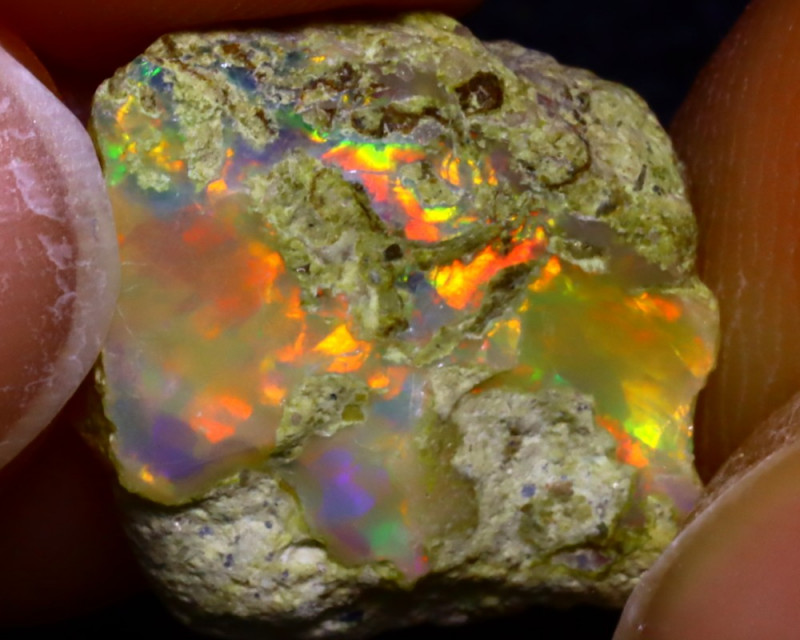 5.07Ct Multi Color Play Ethiopian Welo Opal Rough JF2211/R2