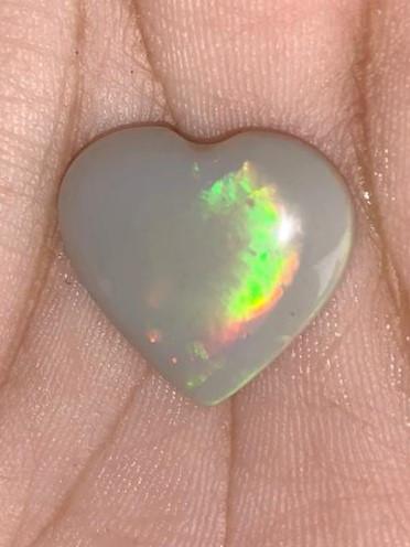 10 cts Opala lapida Forma de Coração