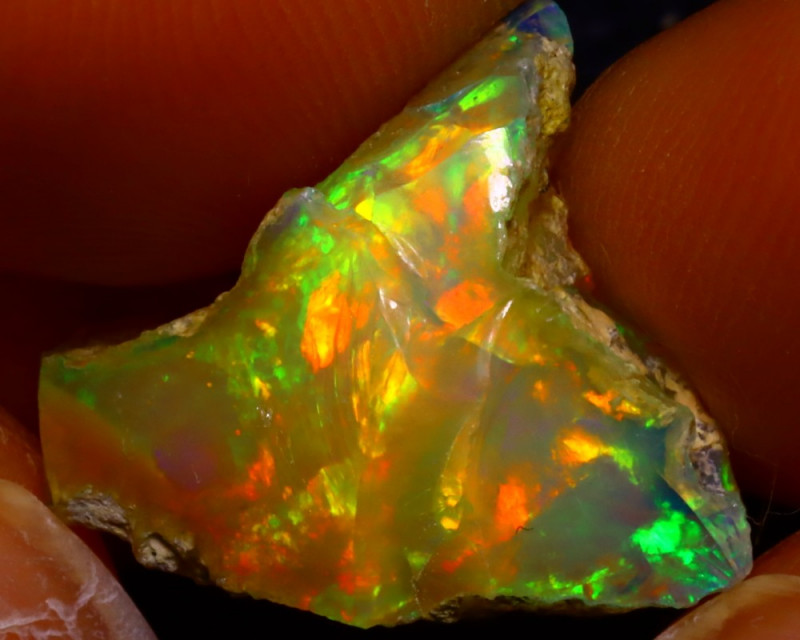 8.10Ct Multi Color Play Ethiopian Welo Opal Rough JF2811/R2