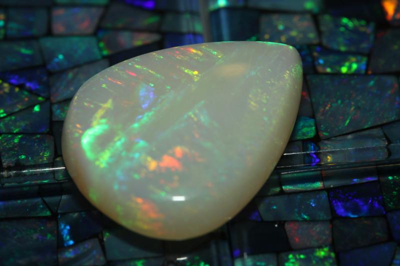13 CTS Beatifull brazilian white opal