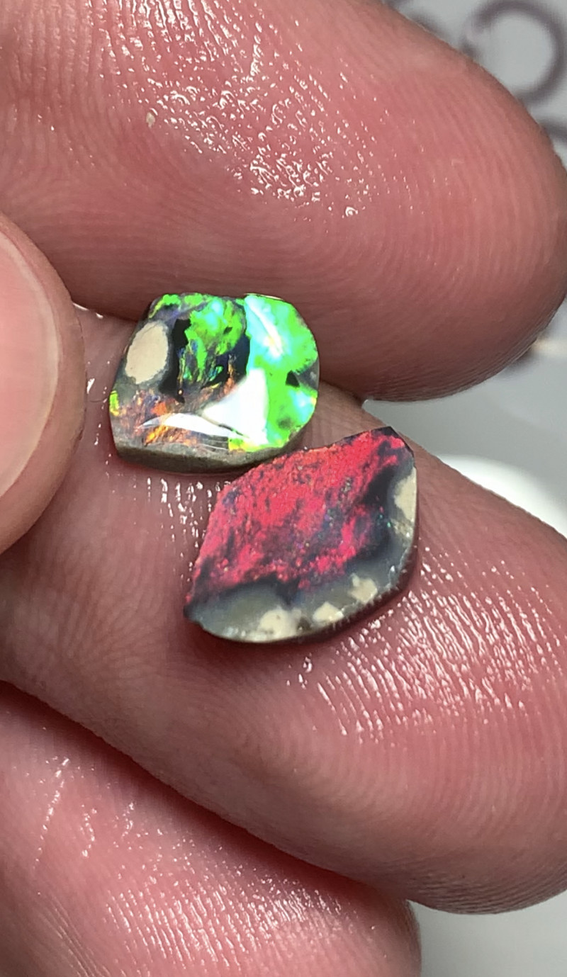 RED + GREEN - 2 bright rub opals #993