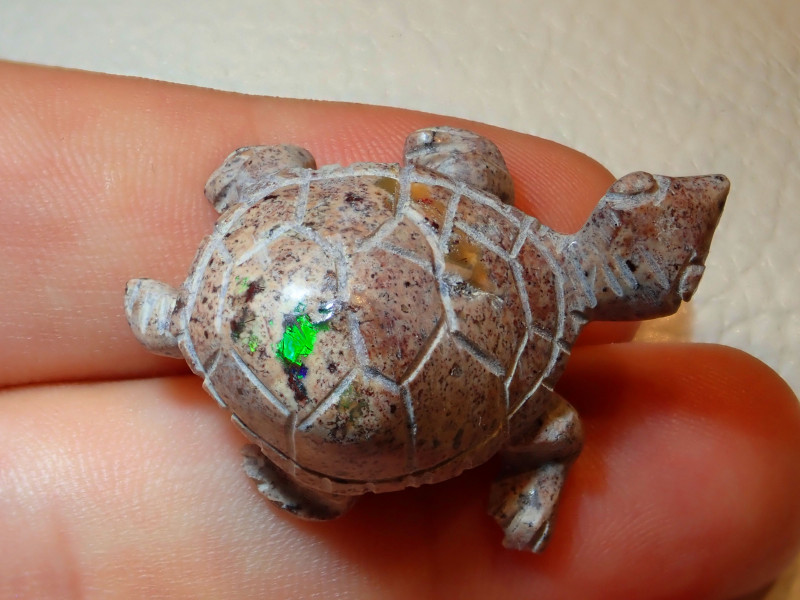 Gema Turtle Mexican Carving Figurine Fire Opal