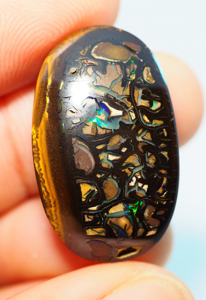 27.80CTS  YOWAH OPAL WITH AMAZING PATTERN  BJ296
