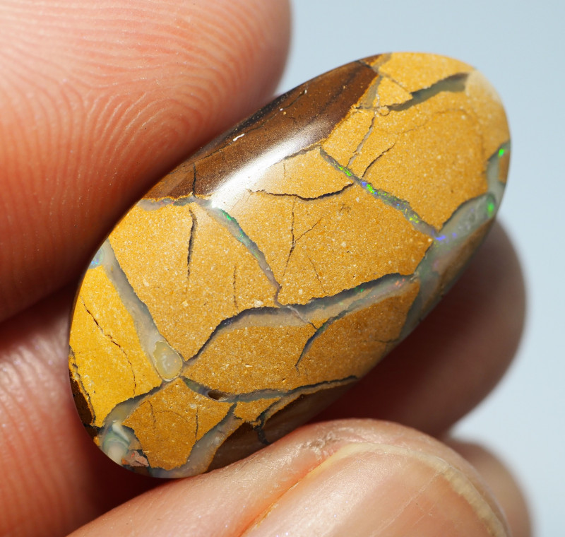 14.35CTS  YOWAH OPAL WITH AMAZING PATTERN  BJ308