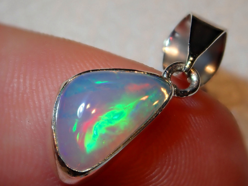 5.93ct Natural Ethiopian Welo Opal .925 Sterling Silver Pendant