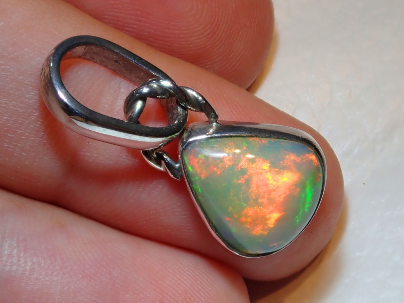 15.83ct Natural Ethiopian Welo Opal .925 Sterling Silver Pendant