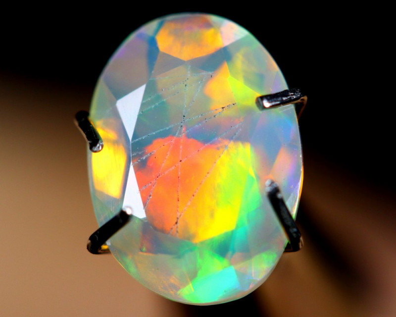 0.86cts TOP GRADE Natural Faceted Ethiopian Welo Opal / BF3176