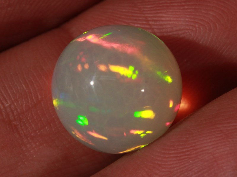 13.58CT~STUNNING ETHIOPIAN WELO OPAL SPHERE~INSANE FULL SATURATION OF FIRE!