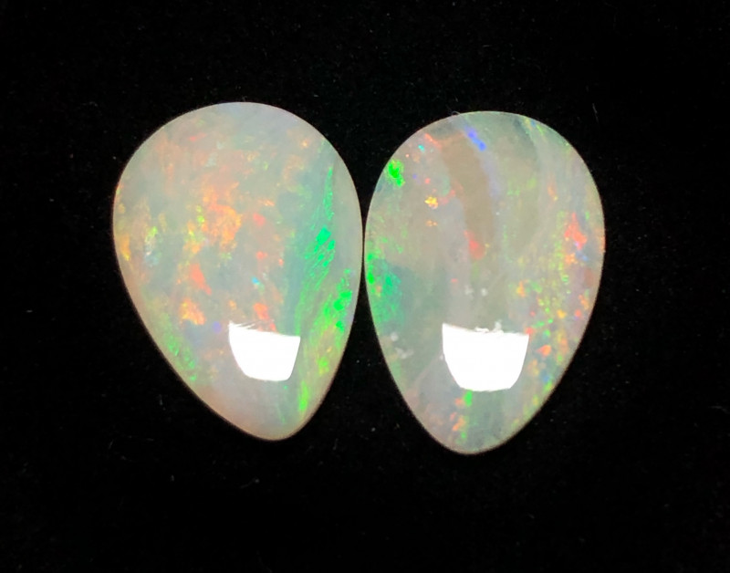 4ct Lightning Ridge crystal pair