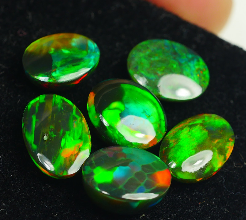 7.220CRT BEAUTY PARCEL 6 PCS WELO OPAL SMOCKED -