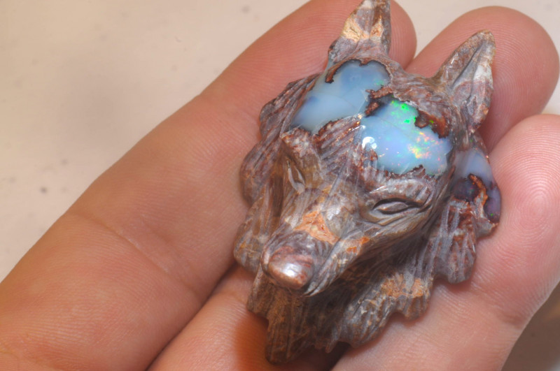 90ct Wolf Head Mexican Cantera Multicoloured Fire Opal