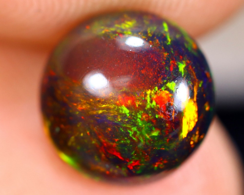 1.56cts Natural Ethiopian Smoked Welo Opal / BF3606