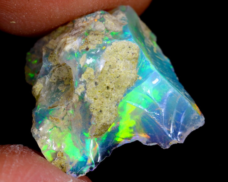 4cts Natural Ethiopian Welo Rough Opal / WR4079