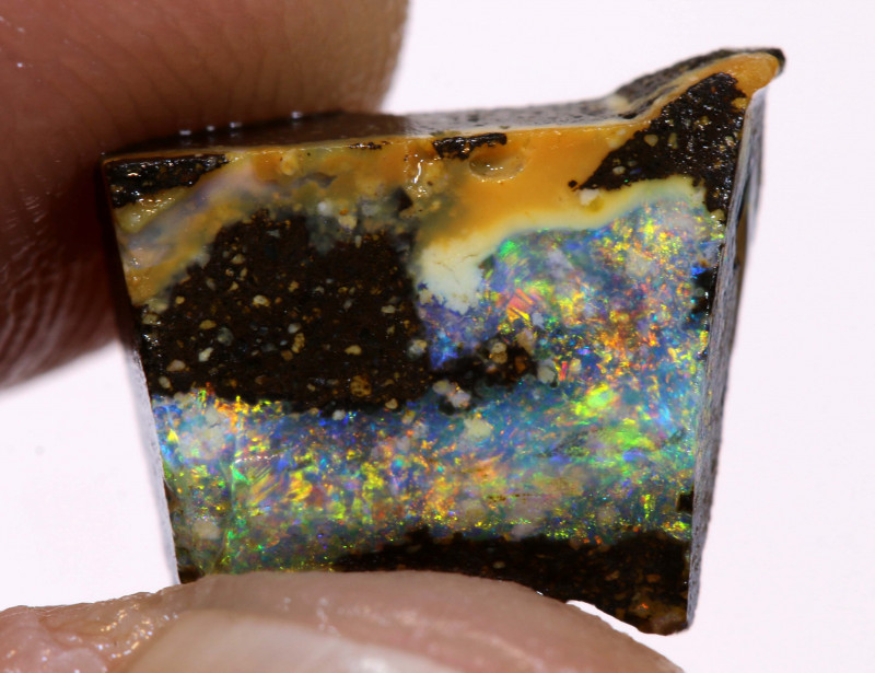 4cts Australian Boulder Opal Rub  DO-579
