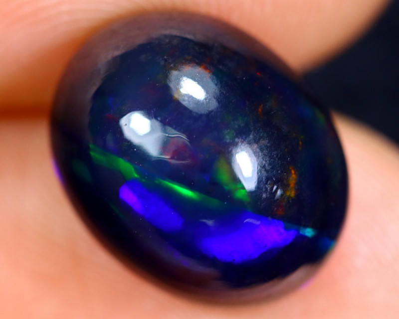 4.15cts Natural Ethiopian Welo Smoked Opal / HM1074