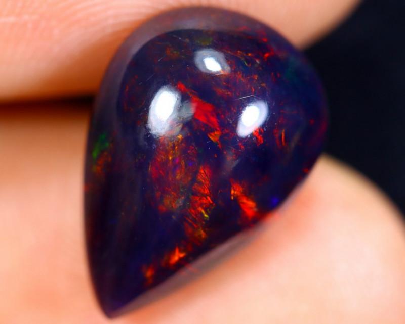 3.78cts Natural Ethiopian Welo Smoked Opal / HM1082