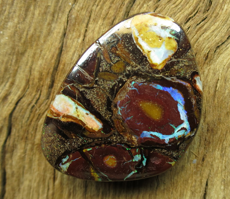 44cts, DOUBLE SIDED YOWAH OPAL.