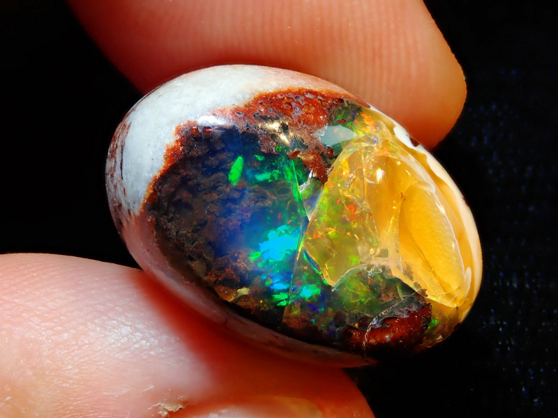 20.88ct Mexican Matrix Cantera Multicoloured Fire Opal