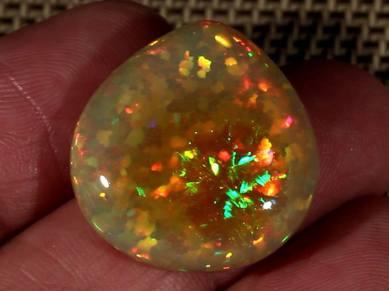 29.27CT~BRILLIANT 5/5 YELLOW BASE WELO OPAL CAB~ASTRIA/HONEYCOMB PATTERN!!!