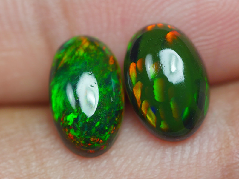 1.905 CRT 2 PCS PAIR BEAUTY PARCEL WELO OPAL SMOKED -