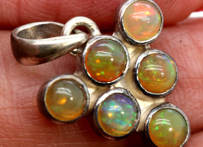 9.50 CTS ETHIOPIAN OPAL SILVER PENDANT     OF-2776