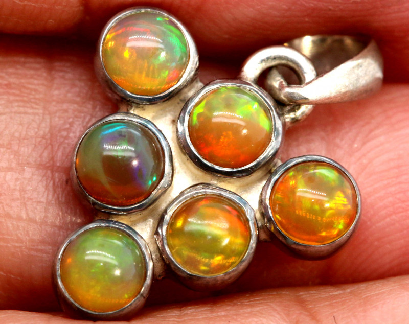 9.95 CTS ETHIOPIAN OPAL SILVER PENDANT     OF-2779
