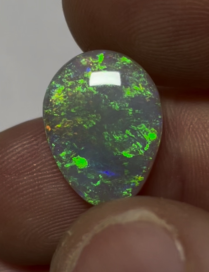 5.9ct Full colour drop shape