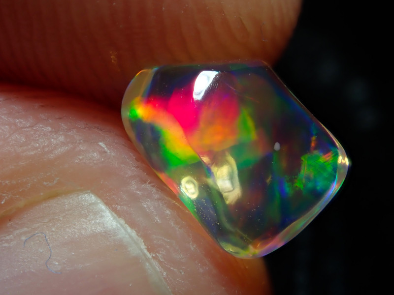 0.92ct Mexican  Carving Multicoloured Fire Opal