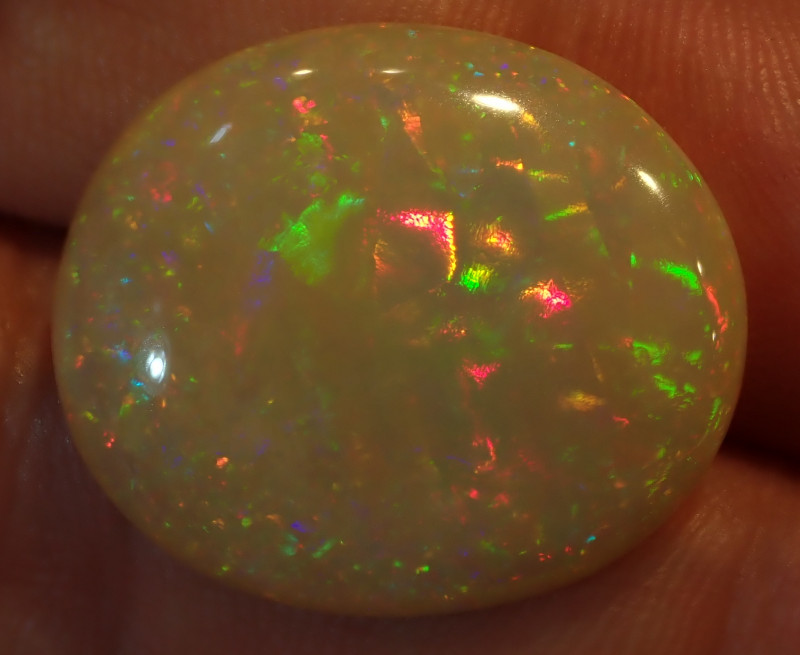 12.13cts. Bright Natural Ethiopian Welo Multicoloured Fire Opal
