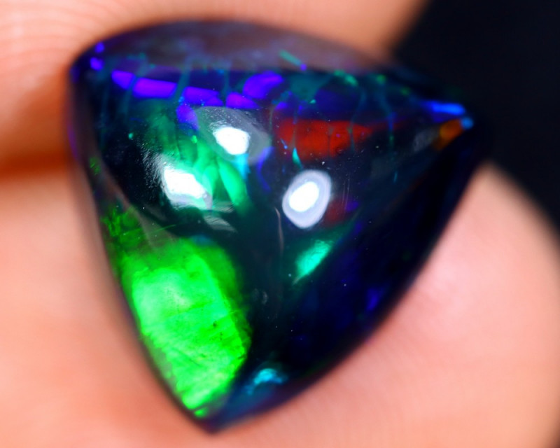 3.88cts Natural Ethiopian Welo Smoked Opal / HM1472