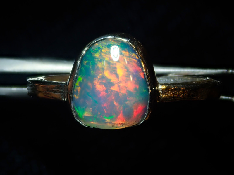7.5sz SOLID CRYSTAL OPAL HIGH QUALITY .925 STERLING FABULOUS RING